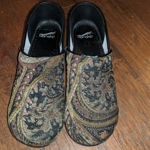 Dansko paisley clogs. Size 41